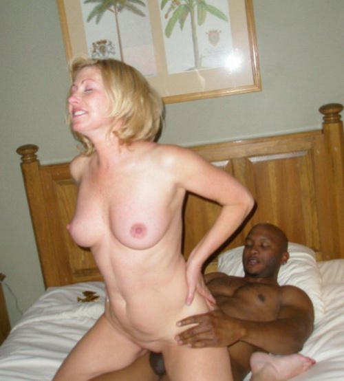 Amature cuckold interracial