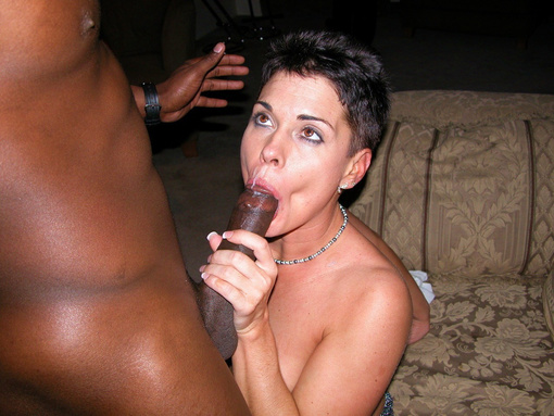 Photo Hot White Woman Tasting that Black Cock and Jizz