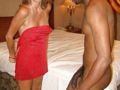Amateur Mom Undressing in Interracial Sex Pictures