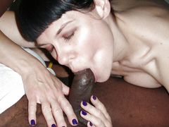 Photo Slut Mature Brunette Tasting the Black Dick