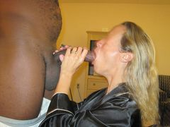 Photo Blonde Mature Wife Sucking BBC