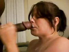 Hungry White Bitch Sucks and Receives Massive Black Cumshot
