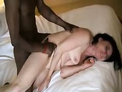 Wife Gets Orgasm Pleasure from Fucking with Black Stud