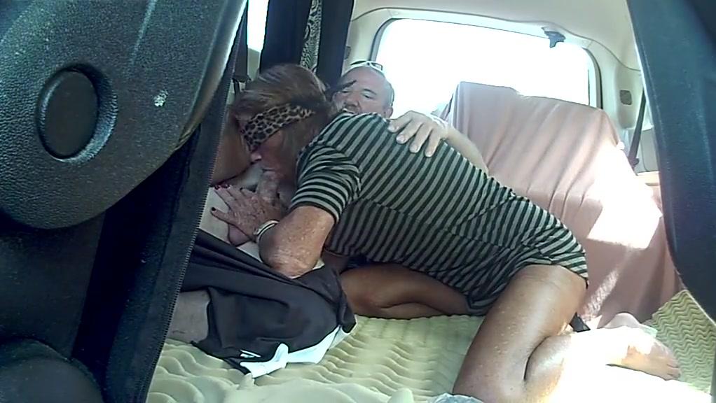 Mature wife sucks and fucks
